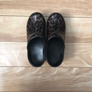 Leopard danskos